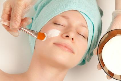 Gesichtspflege mit Gesichtsmasken